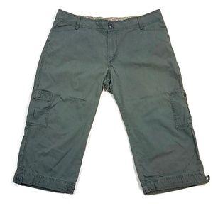 Levi's Tab Twill Green Capri Pants